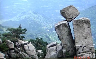 奇岩2.png