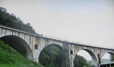 釜石線宮守川橋りょう100.png